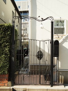 門扉 gate